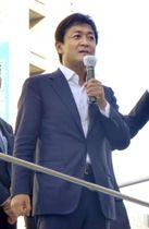 街頭演説する国民民主党の玉木共同代表=26日午後、神戸市