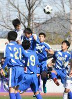 佐賀県高校新人サッカー 男子・龍谷2連覇、女子・神埼V7