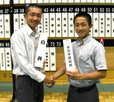 11日の開幕戦で激突する白井の村山裕太主将(左)と東京学館船橋の菅野春樹主将