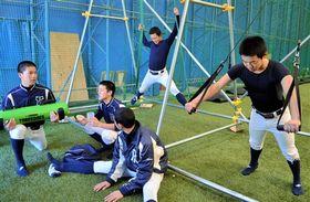 トレーニングに取り組む常葉大菊川ナイン=常葉大菊川高