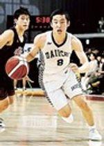 ドリブルで攻め込む福岡第一の河村勇輝=2019年12月、武蔵野の森総合スポーツプラザ