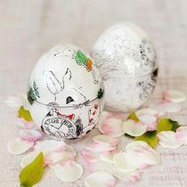 昨年の応募で寄せられた卵形の装飾容器。愛らしいウサギの絵が描かれる(西宮洋菓子研究会提供)