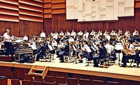 力強い演奏を披露する磐城高の吹奏楽部員