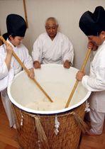 船川八幡宮で本格的に始まったどぶろくの仕込み