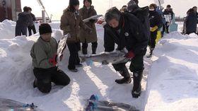 雪の中じっくり秋サケ熟成 うま味3倍 北海道・石狩で仕込み