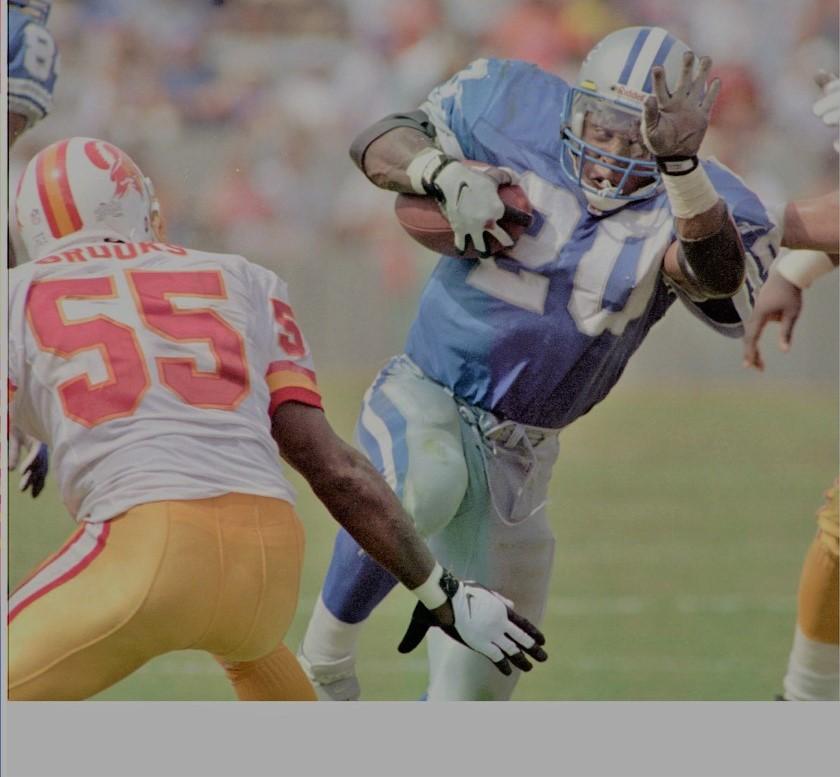 1990年代に活躍し、NFL史上に残る名選手として知られる元ライオンズのRBバリー・サンダース(AP=共同)