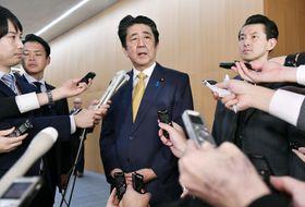 GSOMIAの失効が回避され、取材に応じる安倍首相=22日午後、首相官邸