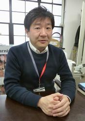 インタビューに答える、CUDO副理事長の岡部正隆東京慈恵会医大教授