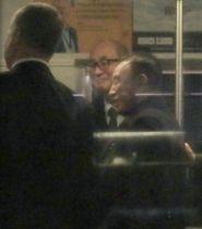 17日、米ワシントン近郊のダレス国際空港に到着した北朝鮮の金英哲朝鮮労働党副委員長(右)(共同)