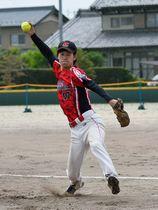 平林金属×日本エコシステム=力強い投球で7回2失点と好投した日本エコシステムのエース竹本=羽島市運動公園