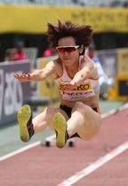 女子走り幅跳び 自己ベストを大幅に更新する6メートル41で日本人トップの3位に入った秦澄美鈴