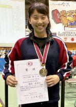 重量挙げ女子59キロ級で準優勝した瀬尾佳菜子=金沢市総合体育館