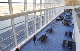 報道関係者に公開された羽田空港第2ターミナルのサテライト=21日午後、羽田空港