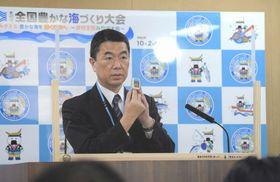 血液中の酸素濃度を測る「パルスオキシメーター」を新型コロナの自宅療養者に貸し出す方針を示した村井知事