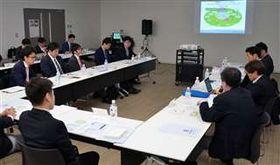スタジアムの構想案について意見を交わした官民連携協議会の会合