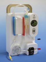 山梨大や神戸大が開発した持ち運べる大きさの血液浄化装置(山梨大・松田兼一教授提供)