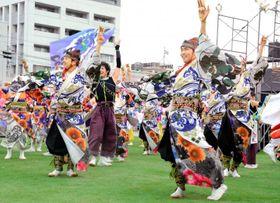 今治よさこい祭りで全連が一緒に踊った「総踊り」