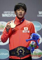 男子フリースタイル65キロ級で優勝した乙黒拓斗=22日、ブダペスト(AP=共同)