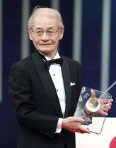 日本国際賞を受賞した旭化成の吉野彰名誉フェロー=18日午後、東京都千代田区