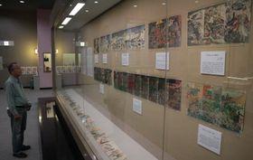 錦絵など約100点が並ぶ企画展=長崎市歴史民俗資料館