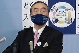 会見する飯泉知事=県庁