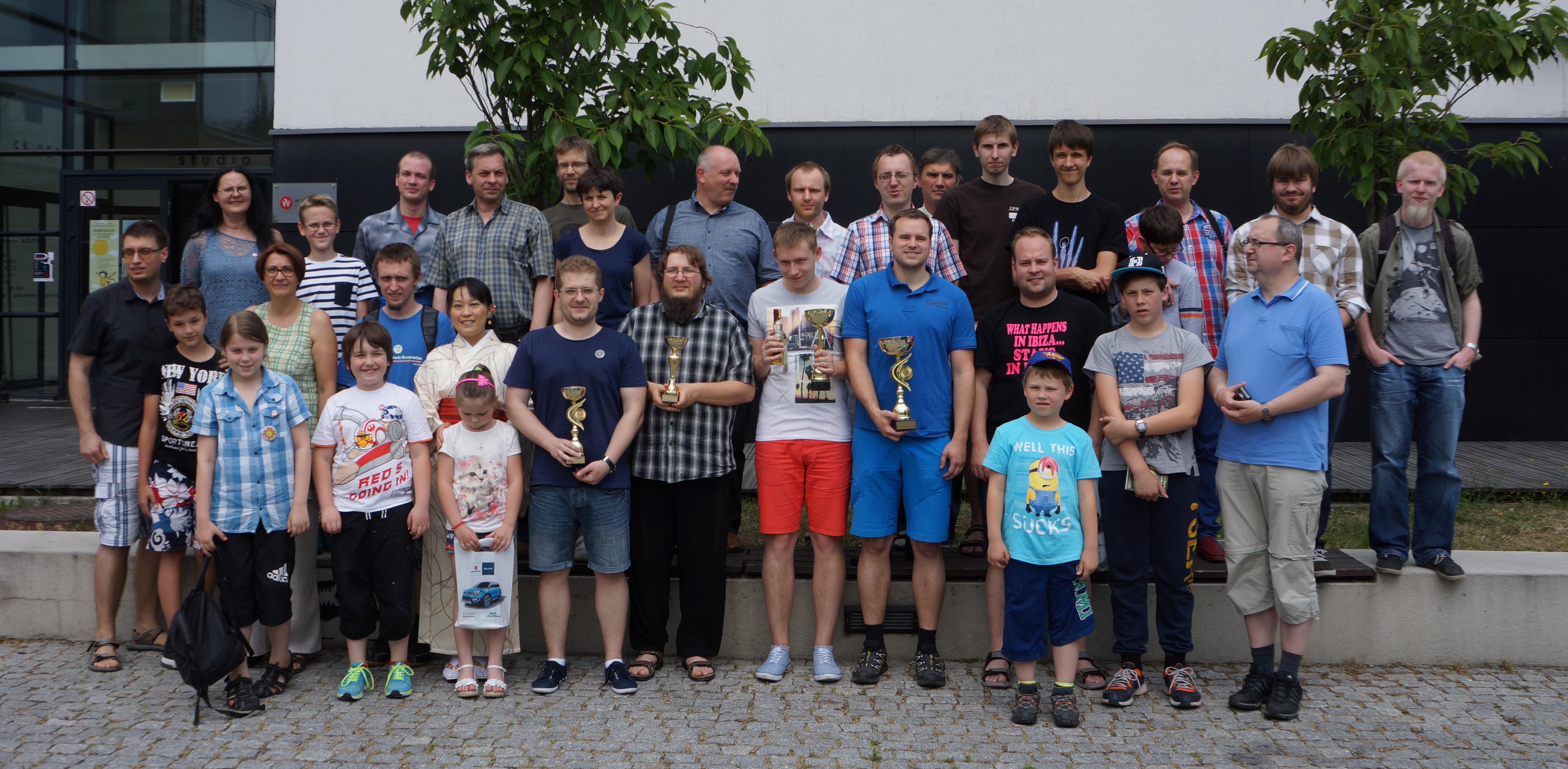 ポーランド将棋大会の参加者で記念撮影