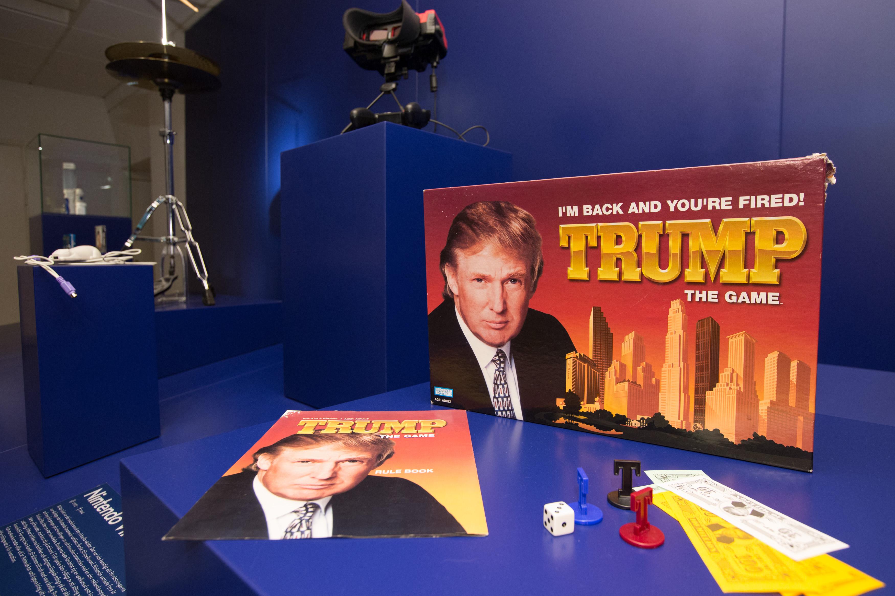 トランプ米大統領がビジネスマンだった時代に売り出されたボードゲーム。散々な評判だったが、失敗博物館では人気展示物の一つだ=スウェーデン・ヘルシンボリ(撮影・澤田博之、共同)