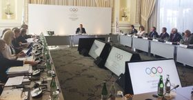 スイス・ローザンヌで開かれたIOC理事会第1日の審議=18日(共同)