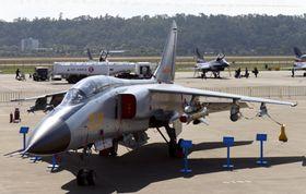 中国軍のJH7戦闘爆撃機(共同)