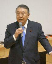 講演する大島衆院議長=10日、東京都町田市