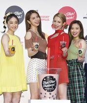 イベントに登場した(左から)坂東希、佐藤晴美、楓、山口乃々華=東京都内