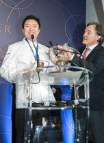 「第52回ル・テタンジェ国際料理賞コンクール」で優勝した関谷健一朗さん=19日、パリ(共同)