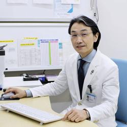 「コロナ・アフターケア外来」を開設した岡山大病院の大塚文男副院長(同病院提供)