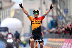 第16ステージを制したヤン・トラトニク=20日、サンダニエレデルフリウリ(ゲッティ=共同)