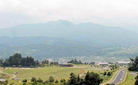 山形市が呼び方の変更を求めることを決めた蔵王山(蔵王連峰)。山形側では「ざおうさん」の呼び方が一般的だ