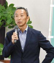 「県民投票フェス」で講演する茨城大の渋谷敦司教授