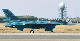 航空自衛隊のF2戦闘機=青森県三沢市