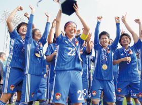 アジア太平洋選手権大会で優勝した女子日本代表=18年5月、韓国・昌原サッカーセンター(日本ろう者サッカー協会提供)