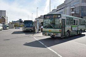 消費税増税に伴って引き上げられるバス運賃。光熱水費などの負担も増加する