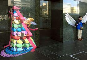 駅ビル内に描かれたトリックアート(京都市下京区・京都駅ビル)