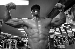 米国のスポーツ選手は、若い頃からさまざまなトレーニングで体を強く大きくしている(AP=共同)