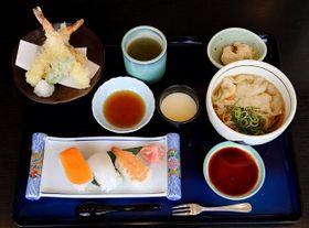 すしや天ぷらにミニえきそばが付くえきそば御膳(1628円)=道の駅あいおい白龍城