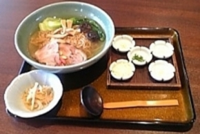 堂々たる薬膳料理「水戸藩ラーメン」