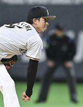 開幕投手に決まっている上沢は、西武打線を5回4安打無失点に抑える力投を見せた(撮影・桜田史宏)