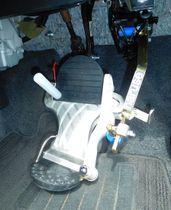 試乗車に取り付けられたワンペダル