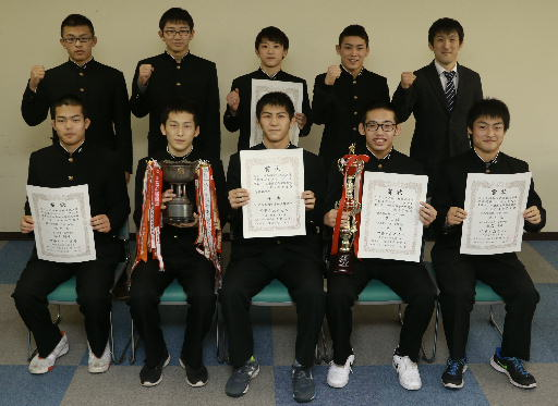 高校レスリング 八戸工大一高18年ぶりの東北大会優勝