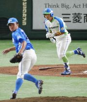 セガサミー―JR四国 1回裏セガサミー1死二塁、須田が先制打を放つ。投手菊池=東京ドーム