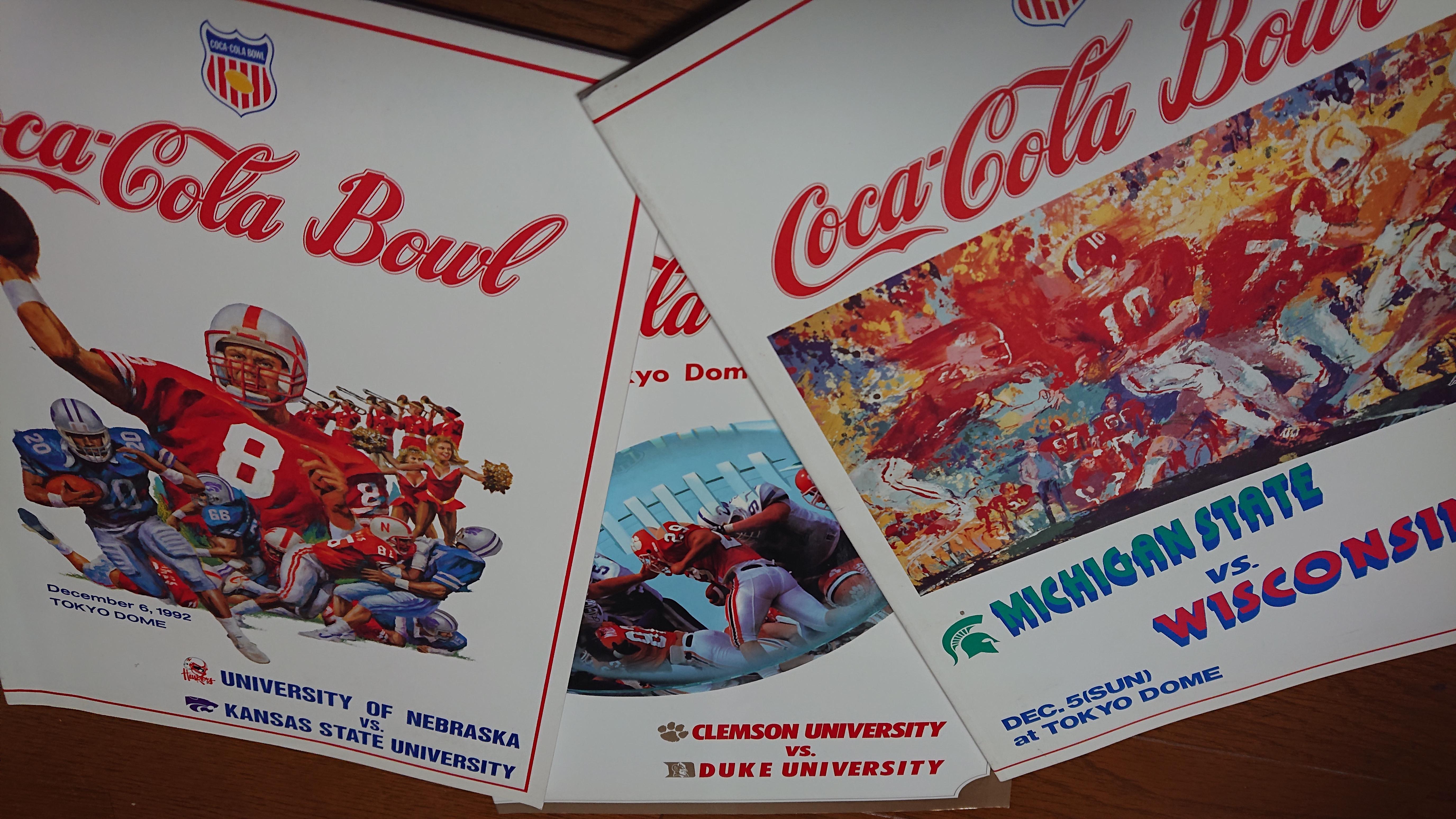 日本で開催されたNCAA公式戦「コカ・コーラボウル」のポスター=提供・生沢浩さん