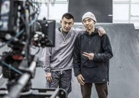 自転車BMXパークの中村輪夢(右)とANARCHYさん=京都府宇治市(C)Naoki Gaman/Red Bull Japan