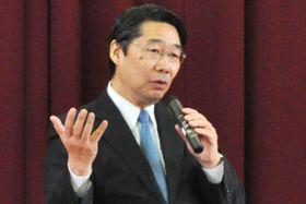 名古屋市立中の授業で講演した文科省の前川喜平前事務次官=2月、名古屋市